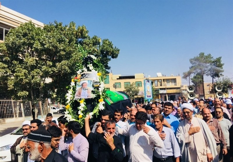 آئین تشییع پیکر حجتالاسلام عرفانشهرضایی در کرمان برگزار شد