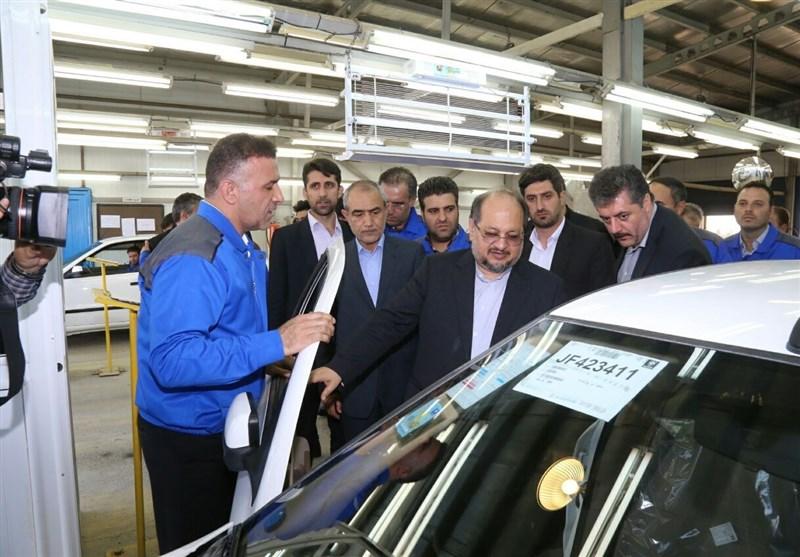 وزیر صنعت در تبریز: وجود تعدادی خودرو در انبار خودروسازها بهمنزله احتکار نیست
