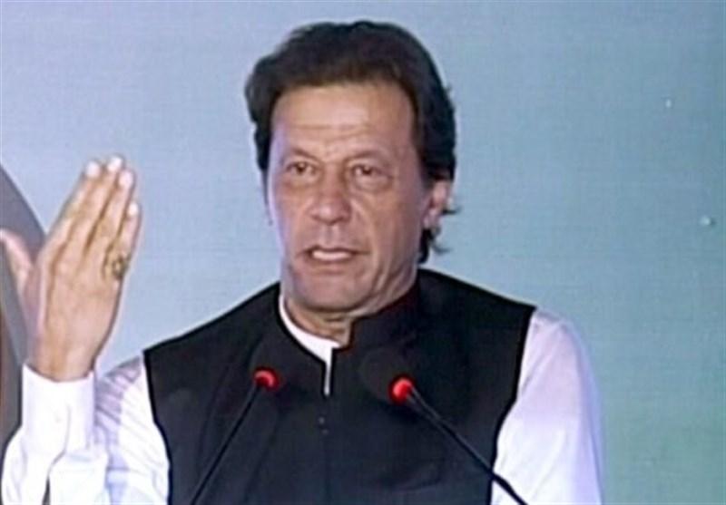 عمران خان: سود روزانه بدهیهای خارجی پاکستان 5 میلیارد روپیه است/ شخصا ناظر ساخت سد خواهم بود