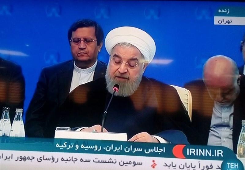 حاشیه اجلاس تهران|حالت جالب زنگنه حین سخنرانی روحانی+ عکس