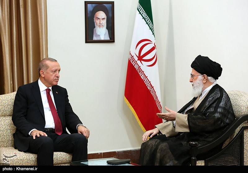 Leader Renews Call for Unity among Muslims for Resolving Regional Problems
