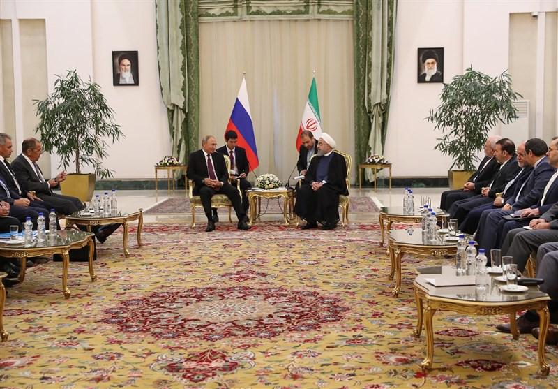 روحانی در دیدار پوتین: همکاری سه جانبه ایران، روسیه و ترکیه الگوی خوبی برای حل و فصل مشکلات و معضلات منطقه ای است