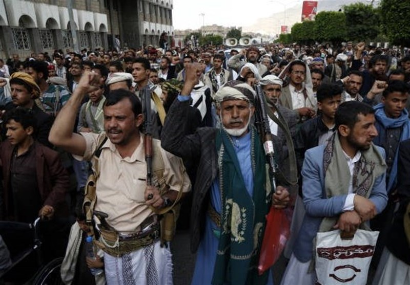 Yemenis Protest Weakening of Currency by Saudi Coalition's Blockade (+Video, Photos)