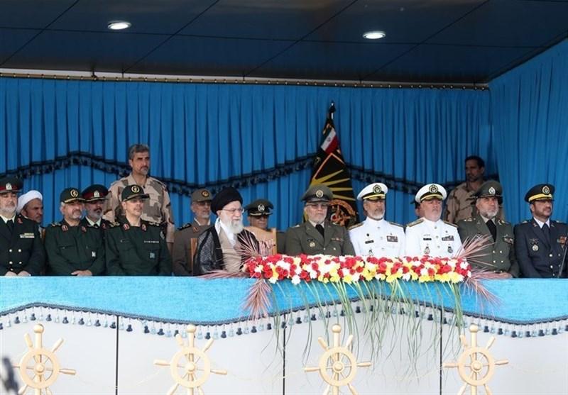 قائد الثورة الإسلامیة؛ الشعب الإیرانی لم یخشى من تهدیدات أمریکا ودفعها نحو التراجع والهزیمة