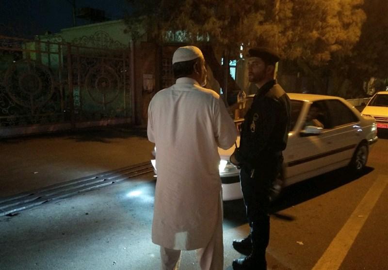 حضور پرسنل انتظامی در پمپ های بنزین زاهدان