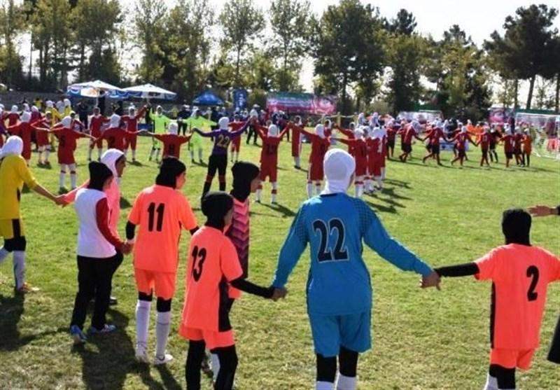 برگزاری اختتامیه فستیوال فوتبال دختران با شکلگیری حلقه اتحاد