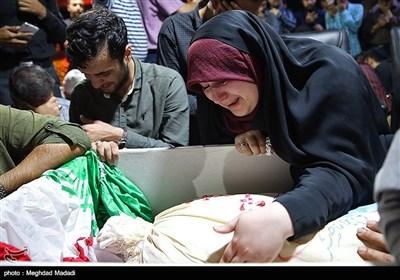 وداع با پیکر دو شهید مدافع حرم در معراج شهدا