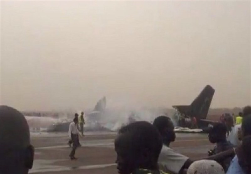 مصرع 19 شخصا فی تحطم طائرة رکاب بجنوب السودان