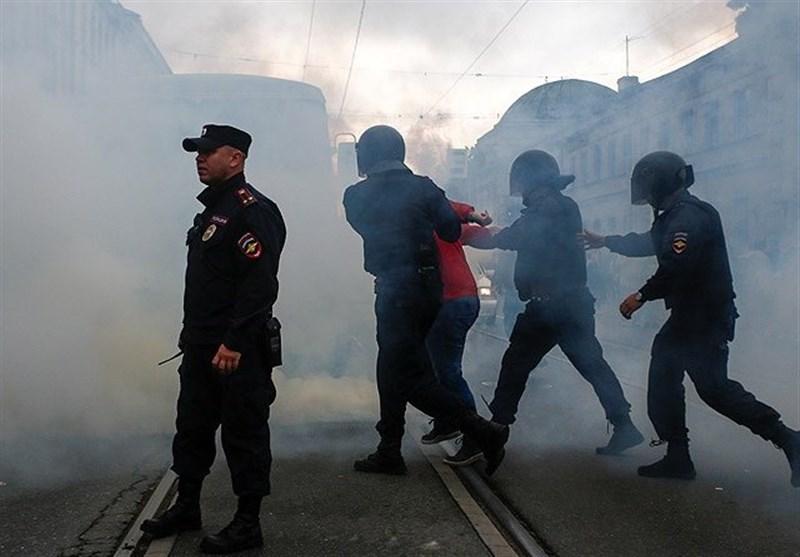 به خشونت کشیده شدن اعتراضات خیابانی در سنپترزبورگ+تصاویر