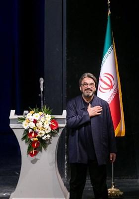 حسین علیزاده در آیین اختتامیه دوازدهمین جشنواره ملی موسیقی جوان