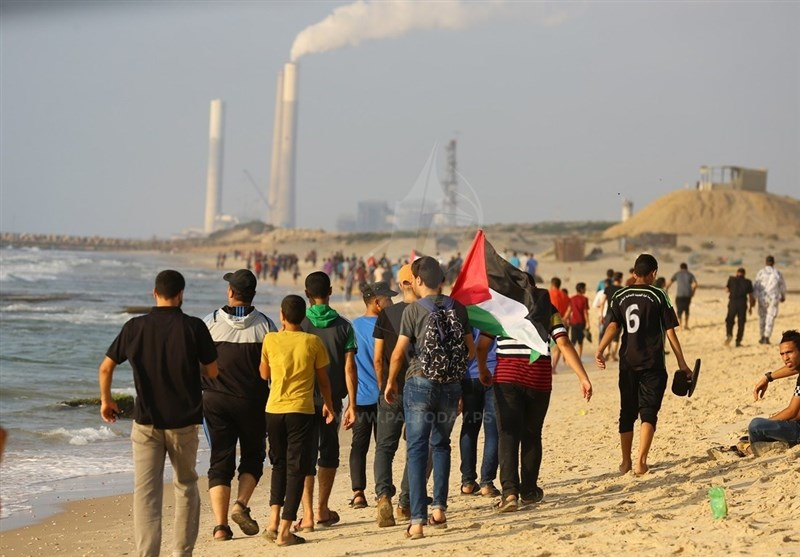 فلسطین| آغاز هفتمین راهپیمایی دریایی شکستن محاصره غزه/ زخمی شدن 5 فلسطینی