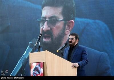 مداحی محسن طاهری در آیین اهتزاز پرچم 1000 متری یاحسین(ع) برفراز مرتفع ترین برج پرچم خاورمیانه