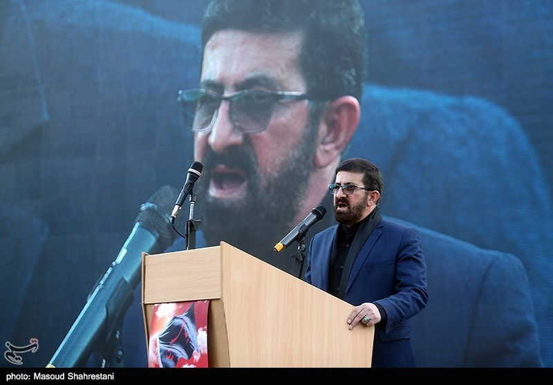 اهتزاز پرچم 1000 متری یاحسین(ع)