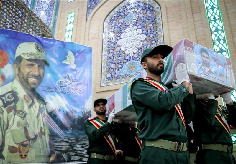 وداع با پیکر شهدای تازه تفحص شده مدافع حرم در دانشگاه امام حسین (ع) + عکس
