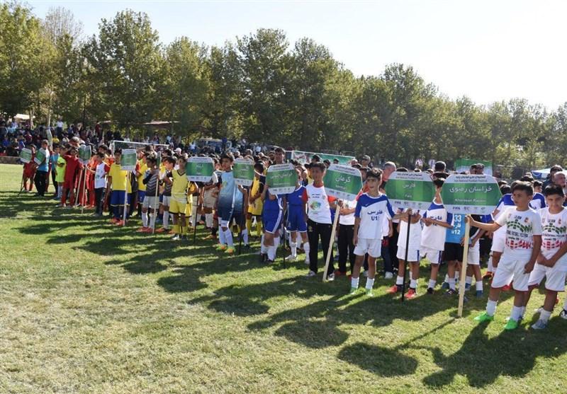 استعدادیابی ناقص در فوتبال ایران با تداوم سیستم گلخانهای/ وقتی فدراسیون «جور کِش» باشگاهها میشود