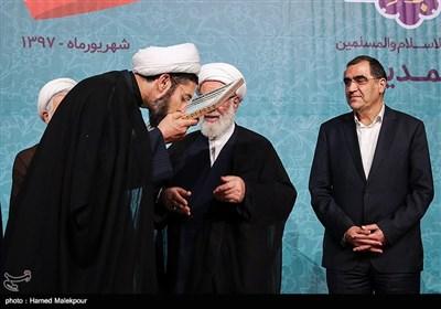 اعطای حکم رئیس نهاد نمایندگی مقام معظم رهبری در دانشگاهها به حجتالاسلام مصطفی رستمی