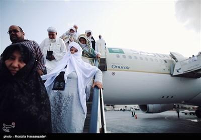 بازگشت نخستین گروه از زائران بیتالله الحرام به گلستان