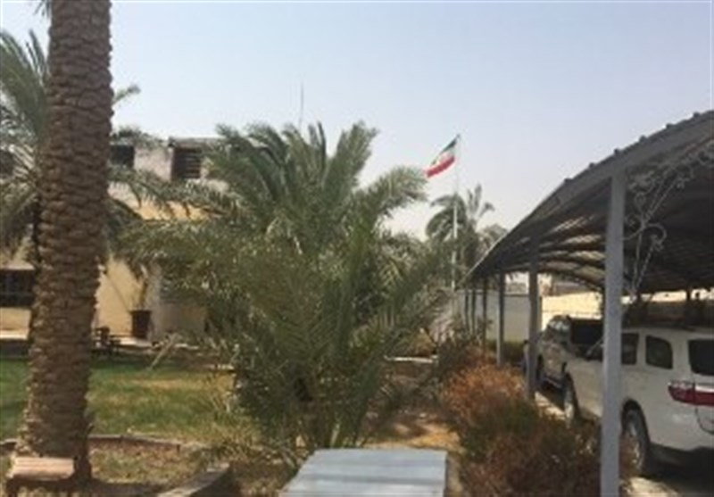 Iran Flag Hoisted over New Consulate Building in Iraq's Basra (+Video)