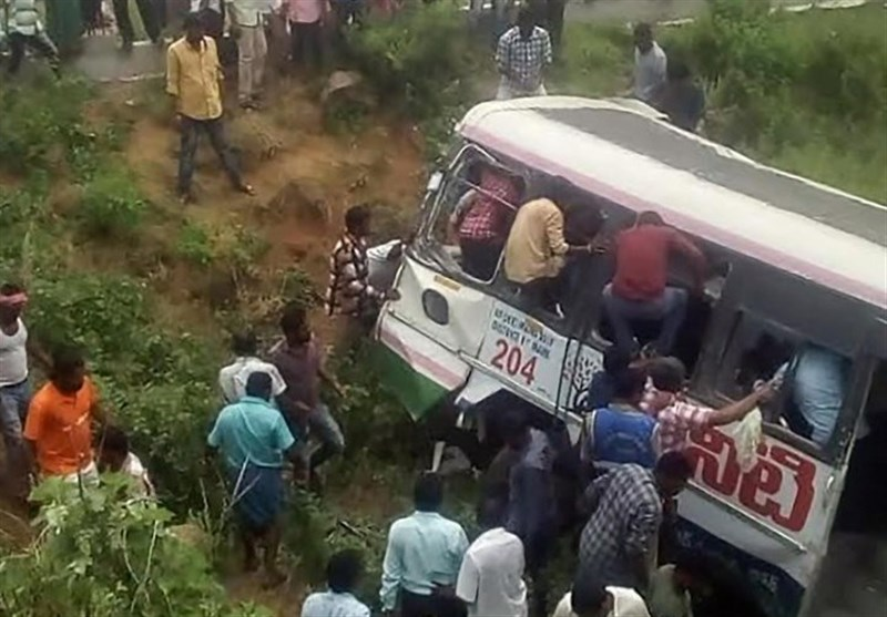Bus Crash Kills over 50 in India's Telangana State (+Video)