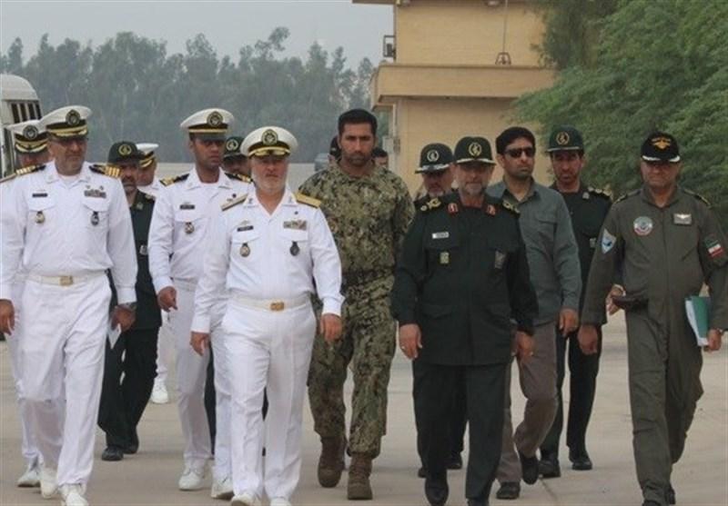 فرماندهان نیروی دریایی ارتش و سپاه از پایگاه هوادریای نداجا بازدید کردند