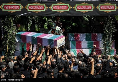 Huge Funeral Procession Held in Tehran for 135 Unidentified Iranian Martyrs
