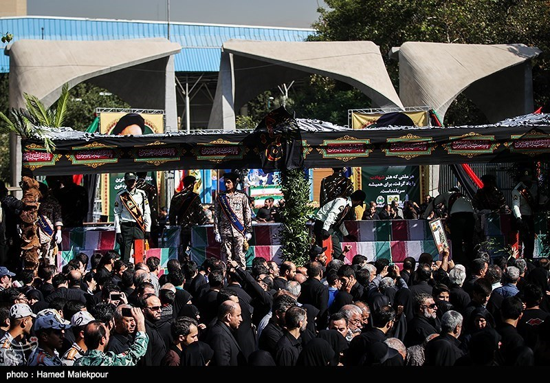 تشییع پیکر مطهر 135 شهید گمنام دفاع مقدس
