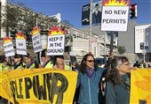 Climate Change Protesters Demand Ending Extraction of Fossil Fuel in California