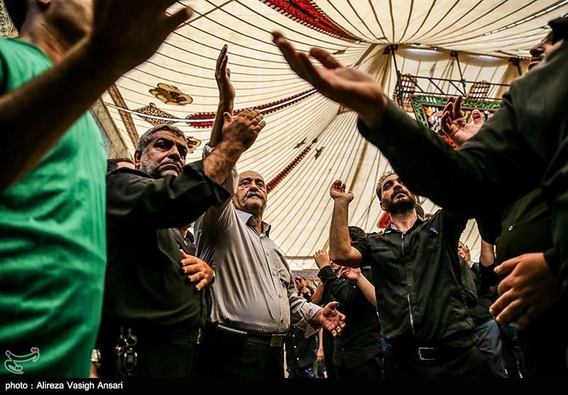 استان اصفهان غرق در عزای حسینی است؛ اجتماع دستهجات عزاداری در میدان امام (ره)
