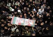 پیکر مطهر 9 شهید گمنام دوران دفاع مقدس در کرمانشاه تشییع میشود+فیلم