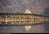 ادامه بی توجهی به روشنایی پل میانگذر دریاچه ارومیه+فیلم