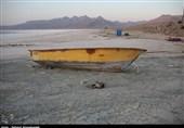دریاچه ارومیه در حسرت جرعهای آب خشکید