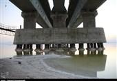 """""""وضعیت بحرانی"""" دریاچه ارومیه در آخرین روزهای تابستان 97؛ وقتی چیزی بهنام """"دریاچه"""" باقی نمیماند+فیلم"""