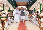 Indian PM Attends Mourning Ceremony for Imam Hossein (AS) in Indore (+Video)
