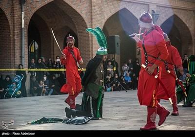 اجرای شبیه خوانی و پرده خوانی عاشورایی در محوطه تاریخی مسجد کبود تبریز