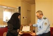 فرمانده نیروی هوایی ارتش با خانواده شهید فتاحی دیدار کرد
