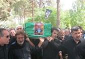 """پیکر شهید """"گنجی"""" در اسلامشهر تشییع شد"""