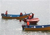 برگزاری مانور امداد و نجات دریایی در بندر آستارا به روایت تصویر