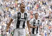 فوتبال جهان| کریستیانو رونالدو: به مودریچ برای بردن جایزه فیفا تبریک گفتم/ من برای جایزه فیفا پوشکاش از صلاح شایستهتر بودم
