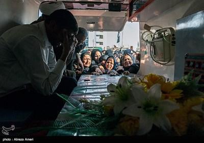 تشییع طلبه شهید مدافع حرم فرهاد طالبی