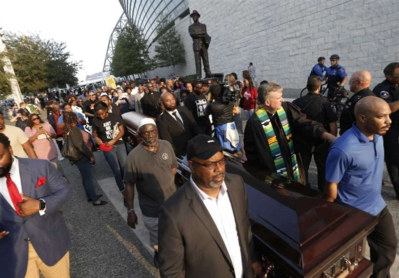 Protesters March against Police Shootings outside Cowboys' Stadium in Texas (+Video)