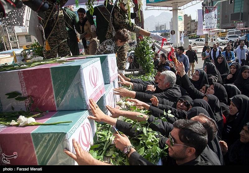 تصاویر بدرقه 9 شهید گمنام توسط عزاداران حسینی در کرمانشاه