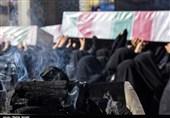 تشییع پیکر شهدای گمنام و یک شهید مدافع حرم در کرمان به روایت تصویر