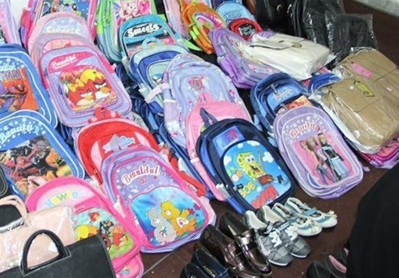 «مشق محرومیتزدایی» آستان قدس در میان دانشآموزان؛ 310 هزار بسته تحصیلی توزیع شد