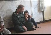 """فرمانده سپاه کردستان با خانوادههای شهدای حادثه تروریستی """"روستای دری"""" مریوان دیدار کرد+تصاویر"""