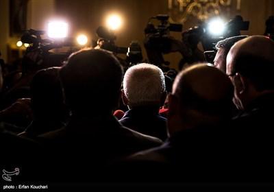 محمد جواد ظریف وزیر امور خارجه در جمع خبرنگاران