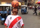 85-Year-Old Football Fan Challenges Ronaldo by Showing Off Tricks on Street (+Video)
