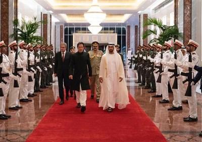 عمران خان ایک روزہ دورے پرمتحدہ عرب امارات پہنچ گئے
