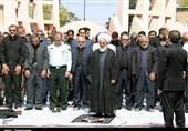 عزاداران حسینی زنجان نماز ظهر عاشورا را در زنجان اقامه کردند+ تصاویر