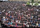 اقامه عزای حسینی در شیراز؛ نماز ظهر عاشورا در حرم مطهر شاهچراغ(ع) برپا شد