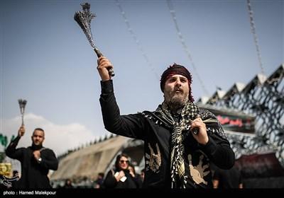 عزاداری عاشورای حسینی در تهران - میدان امام حسین(ع)